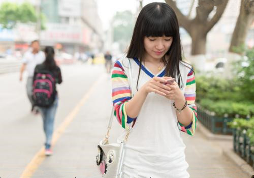 大学生在学校也能赚零花钱?用手机挣生活费日赚50