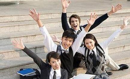 在学校大学生怎么兼职赚现金的三大方法推荐