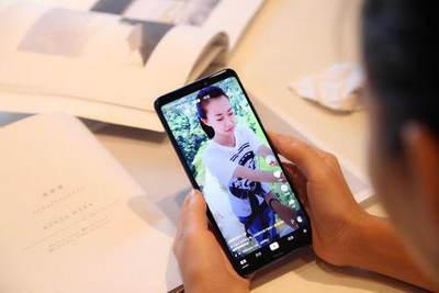 手机刷短视频空闲时间刷一刷就能挣钱