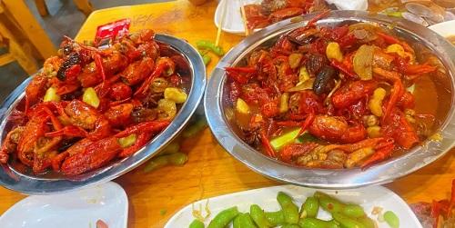 吃了峰哥的小龙虾,老婆温柔地笑了